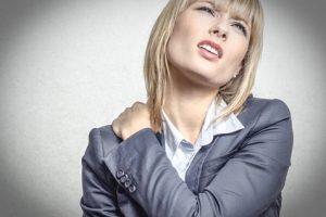 Nackenschmerzen sind häufig psychosomatisch bedingt.